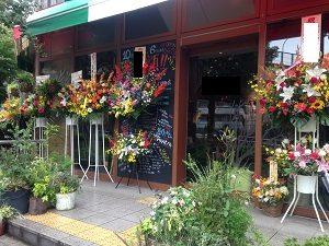 2段スタンドの花