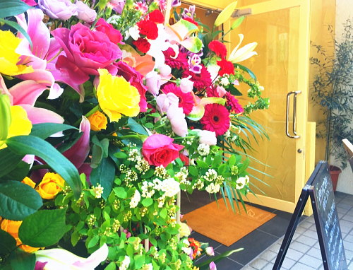 お祝い花を届けるタイミング